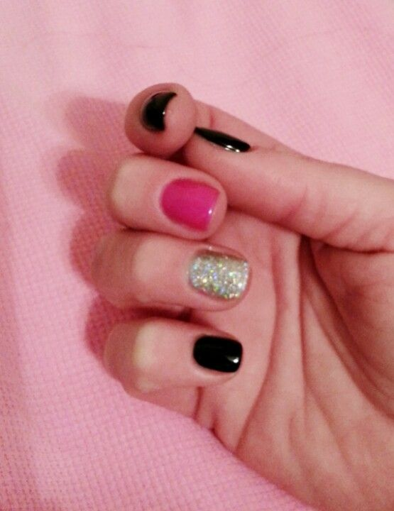 This trend takes me back to when I was a kid and would paint my nails 5 different colors. I'll take it.