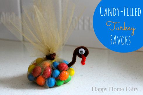 candy-filled turkey favors for thanksgiving! these are so cute and so easy to make!!!
