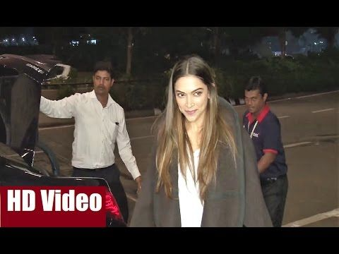 WATCH Deepika Padukone at Mumbai Airport leaving for Los Angeles in USA. Click here to see the full video >>> https://youtu.be/wEHJbngQkPw #deepikapadukone #bollywood #bollywoodnews #bollywoodnewsvilla