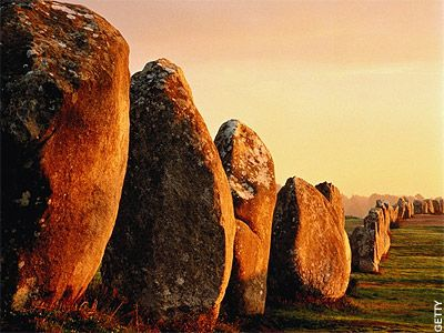 Forest of Stones: The Mysterious Carnac Stones of France - over 3,000 prehistoric stones in perfect, parallel alignment