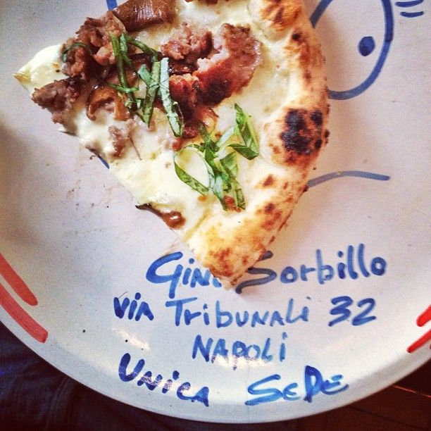 Heaven on a plate, aka pizza from Gino Sorbillo: Naples, Italy (Photo by getcash)
