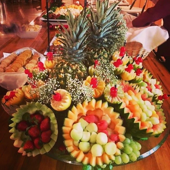 Tastefully Yours Events and Catering: Fruit, Cheese, and Cracker Display