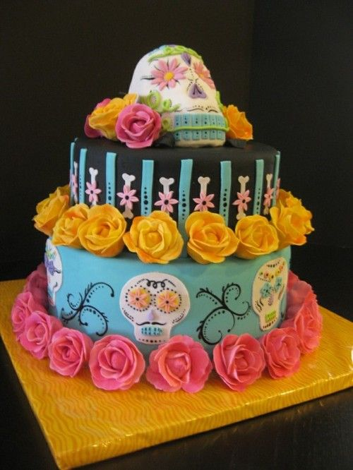 Sugar Skull cake---so cool - @ Gins, I thought of the girls when I saw thid