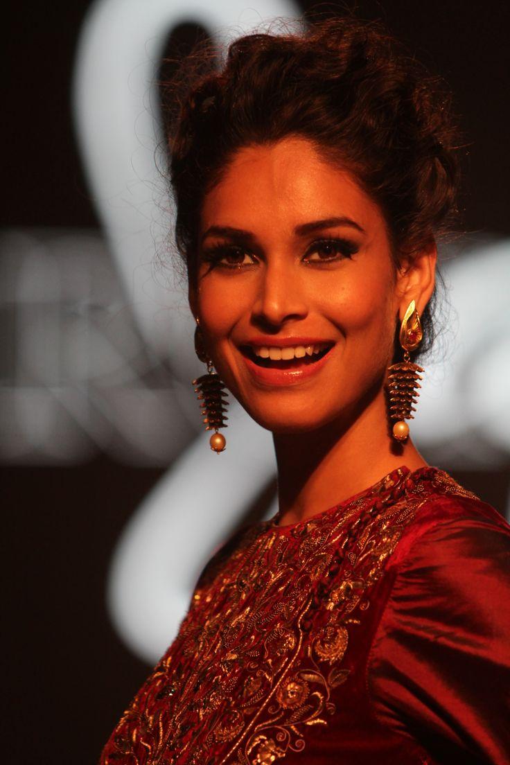 17 Best Images About #Azva At #amfARIndia On Pinterest