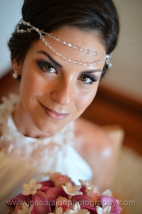 St. Tropez Browband http://www.julesbridaljewellery.com/products/bohemian-style-pearl-and-crystal-headband-st-tropez