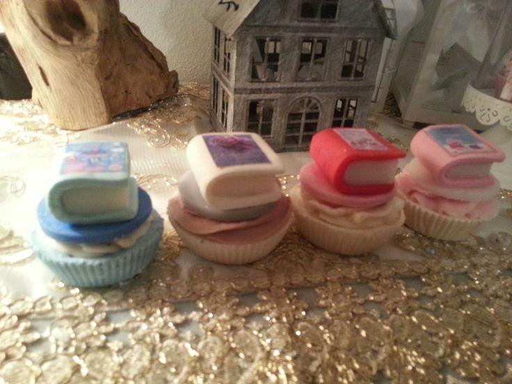 soap cup cake...saponi naturali decorativi a forma di pasticcini, solo ingredienti naturali e non testati su animali cup cake, oggetti decorativi, saponi, saponi naturali artigianali, bomboniere , shabby, chic soap, prodotti naturali, vegan