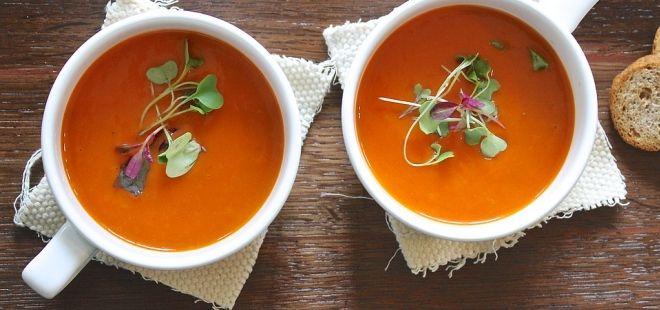 Kurkumová polévka s čočkou je skutečným lékem