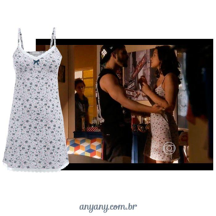Sobre ontem a noite: morremos com a Mari, Bruna Marquezine, com a nossa camisolinha floral! Tudo de lindo <3 <3 <3 #anyany #aboutlastnight #iloveparaisopolis #ilovecamisolas #ilovemariebenjamin