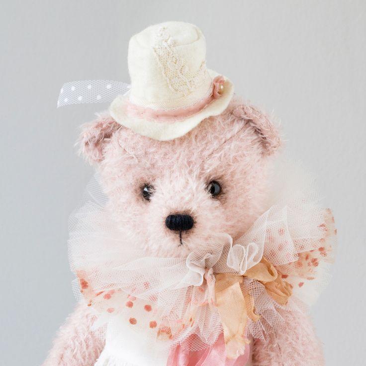 Sophi by Marina Dorogush #teddybear #collection #art  #artist#ooak#vintage #vintagestyle #teddy #bear#teddybear #artteddybears #marinadorogush