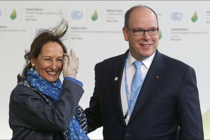 Le prince Albert II de Monaco avec Ségolène Royal à la COP21 à Paris, le 30 novembre 2015
