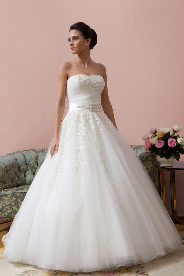 26 best Nunta images on Pinterest   Style, 2015 wedding dresses and ...