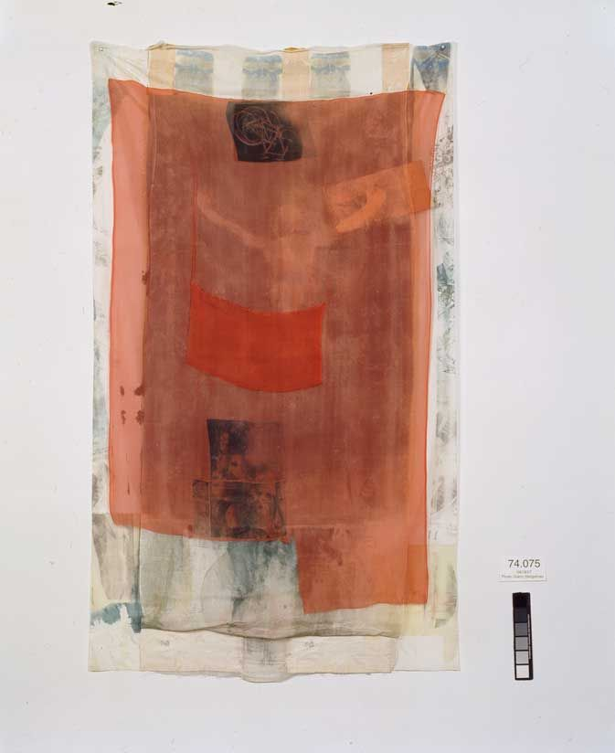 Robert Rauschenberg, Untitled (Hoarfrost), 1974, Solvent transfer on fabric with paper bags and fabric collage, 213 x 124 cm, Collection of the artist, © Robert Rauschenberg / VG Bild-Kunst, Bonn 2008, Photograph by Glenn Steigelman.