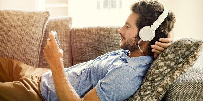 Escuchar música online, ¿gusta más si es 'by the face'?