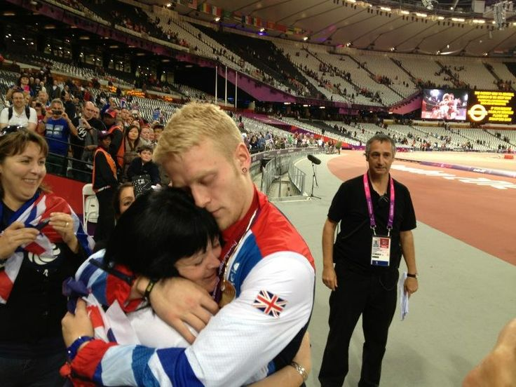 Such inspiration Gold medalist British teenager Jonnie Peacock! Pure respect and heart felt thanks to Mum.