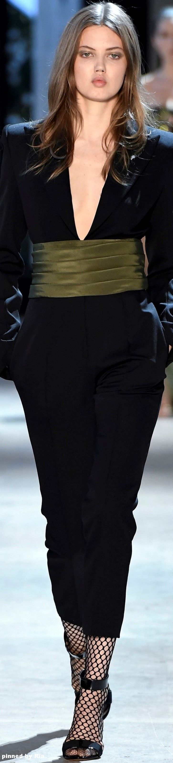 Alexandre Vauthier FW 2016-17 Couture l Ria                                                                                                                                                                                 More