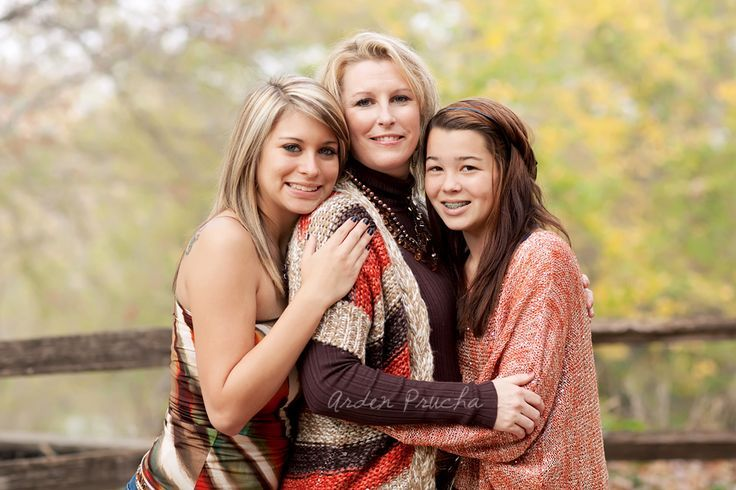 a mom and her daughters...would love one like this!