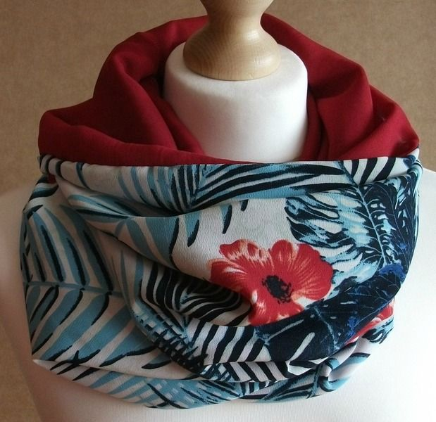 Cuello tubular reversible - Hawaiano rojo de LoLahn Handmade por DaWanda.com
