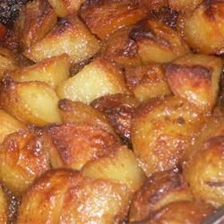 Honey roasted red potatoes - SUPER tasty. Recipe inside