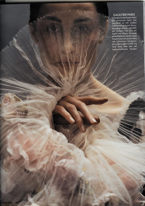 Vogue Germany October 2005 Erin O'Connor by Koto Bolofo