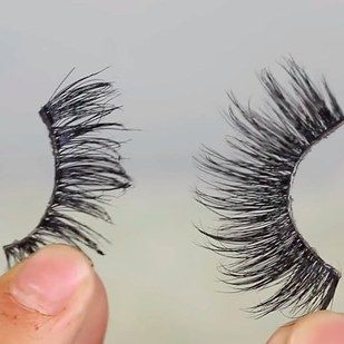 Lashes that have some space between them will be your best friend. | 11 Glam AF Makeup Tips For People With Hooded Eyes