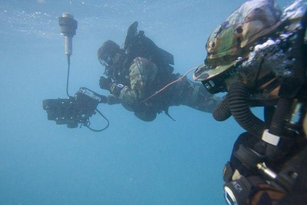 the Royal Australian Navy Divers (photo : Shark Marine Technologies