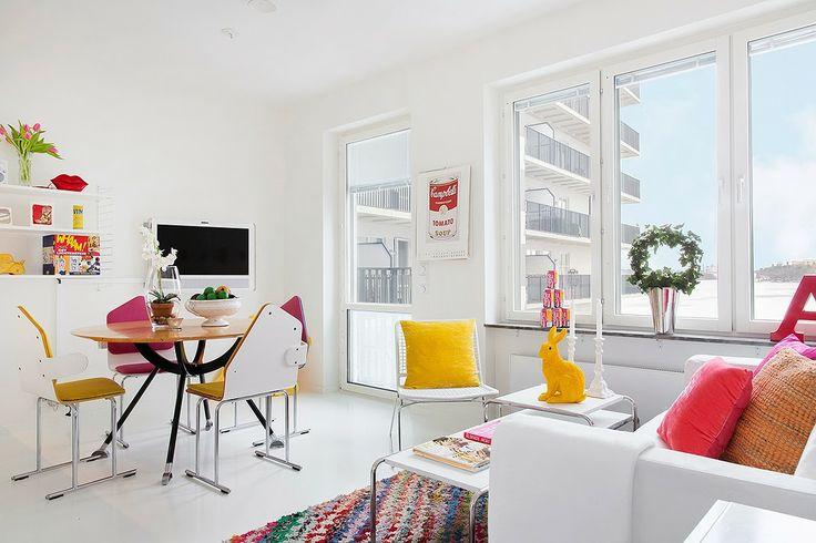 http://magazincasa.com/accente-tari-de-culoare-intr-un-apartament-de-42-m%C2%B2/