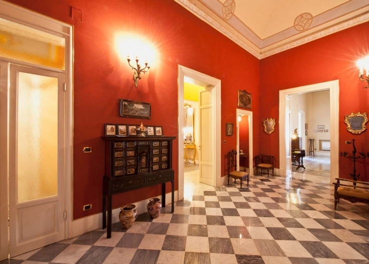 """Palazzo Tagliavia ai """"quattro canti"""" di Palermo"""