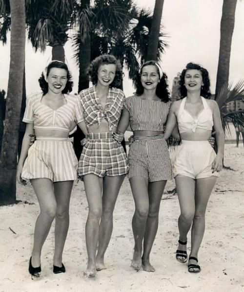 shewhoworshipscarlin:  Summer fashion, 1940s.
