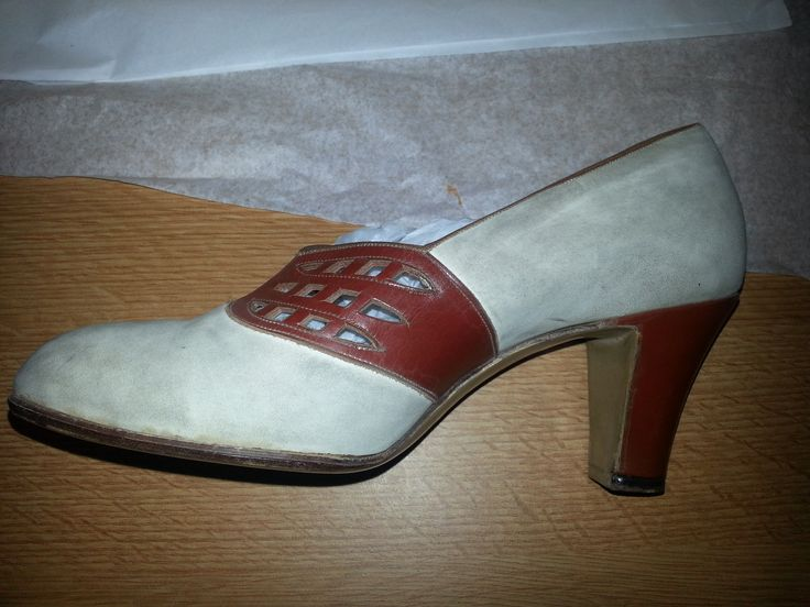 Womens Brown and White leather court shoe with cut out detail 1940s