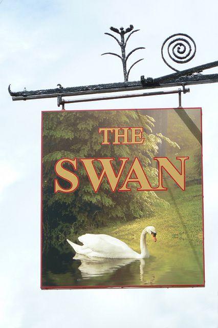 Swan, Horndon-on-the-Hill. | Flickr: Intercambio de fotos