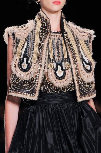 Naeem Khan / Spring 2014 / Bohemian Like You / High Fashion / Ethnic & Oriental / Carpet & Kilim & Tiles & Prints & Embroidery Inspiration /