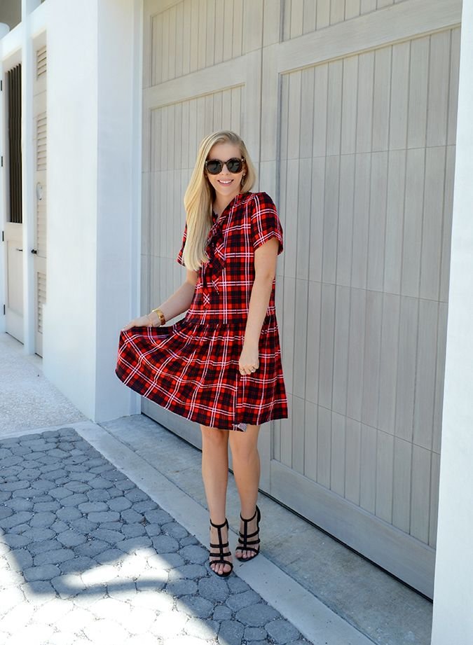 Anna James of Fash Boulevard shows us how to wear plaids in warm weather