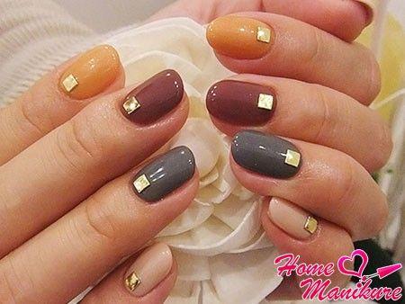 стильные разноцветные ногти скругленной формы