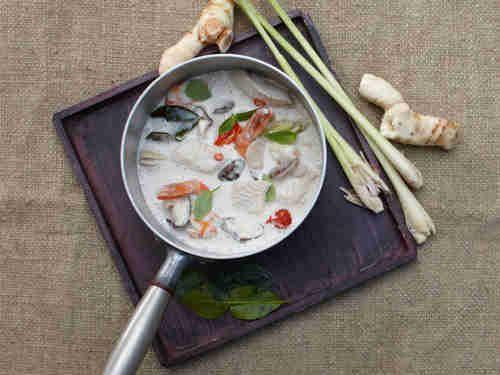 Thai-Suppe mit Pangasius & Garnelen