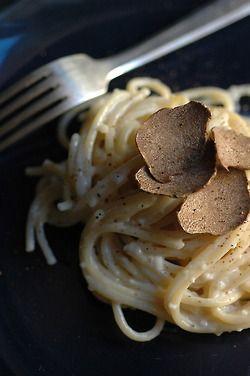 Spaghetti con tartufo bianco d'Alba e fonduta - The black truffles are less expensive and not as delicate so use them sparingly