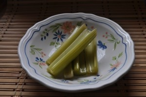 lacto fermented celery - perfect snack!