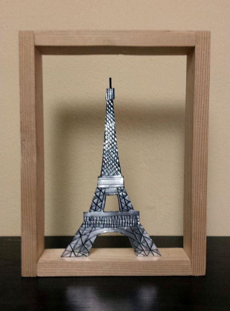 Καδράκι με τον πύργο του Άιφελ από αλουμίνιο.