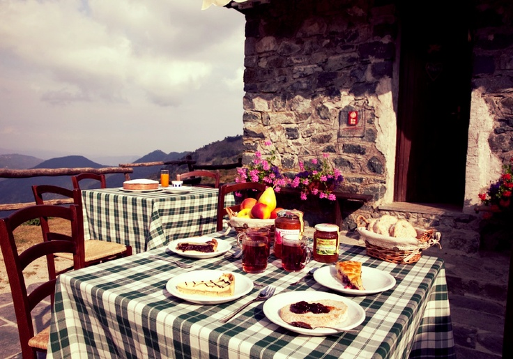 What a lovely day! Have a breakfast with a selection of tasty home made #cakes prepared with local ingredients, biological #marmelades and fresh #fruits and a great view on the mountain. Montecerchio Farm House in Bielmonte, Oasi Zegna, #Italy www.oasizegna.com