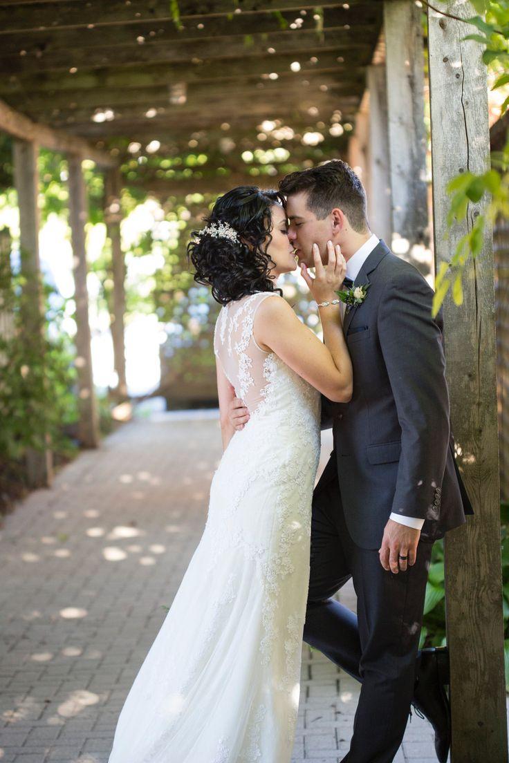 Love is in the air in Jordan Village #Vineyardwedding #Innonthetwentywedding #TwentyValley #Weddings
