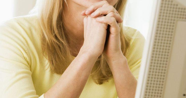 Cómo desarrollar mi propio cuestionario de cliente misterioso. El comprador misterioso o secreto es un método utilizado para evaluar la calidad del área de servicio al cliente y a los empleados de una empresa u organización. Un comprador contratado se usa para ir a través de las experiencias ordinarias que los clientes encuentran. Las organizaciones que utilizan los compradores misteriosos son aquellas como ...