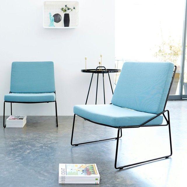 Fauteuil en métal noir surmontée de coussins 'bleus' déhoussables.Info : Dim. assise H 43 x L 65 x P 47 cm / Dim. coussins H 5,5-7,55 x L 60,5-62,5 x P 45-52,5 cmConseil : - mobilier compatible usage extérieur -Pour assurer la longévité de votre meuble, nous recommandons de stocker les coussins à l'abri de l'humidité.Informations Produit :Matière : MetalDimensions : H 78 x L 65 x P 62 cmPoids : 12 kg environAcheter un meuble Tikamoon, c'est acheter une pièce exclusive...
