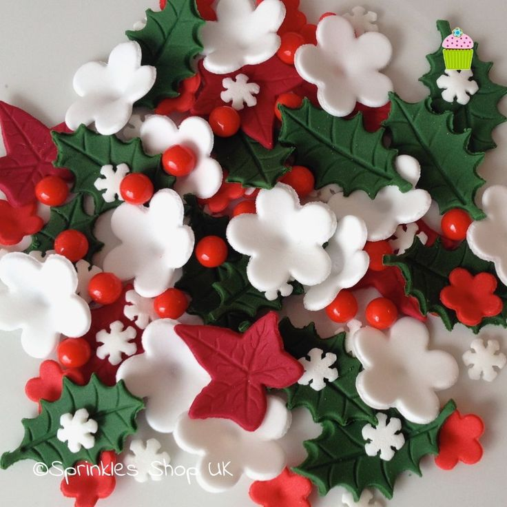 CHRISTMAS CAKE TOPPERS Edible Sugar Paste Flowers Cup Cake Decorations Holly Ivy | Home, Furniture & DIY, Cookware, Dining & Bar, Baking Accs. & Cake Decorating | eBay!