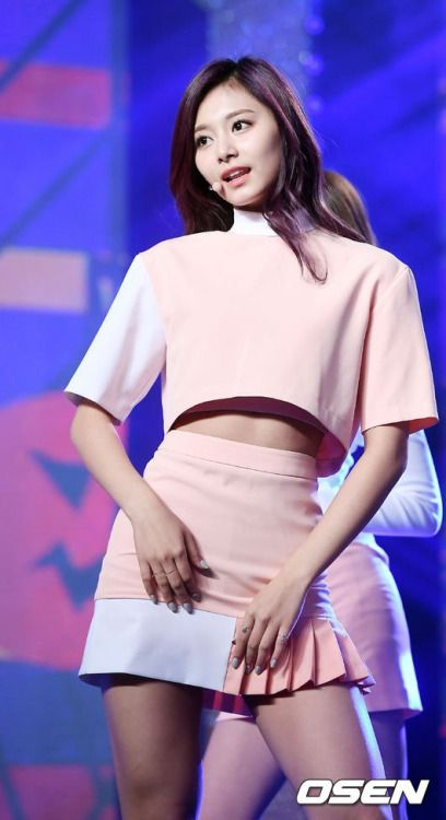 Tzuyu (Twice) - KBS 2016 K League Classic Awards Pics