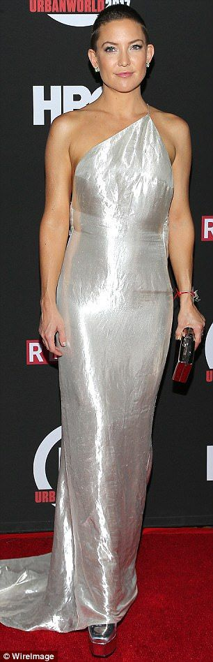 She shines! The daughter of Goldie Hawn and actor Bill Hudson accessorized with hearty dia...