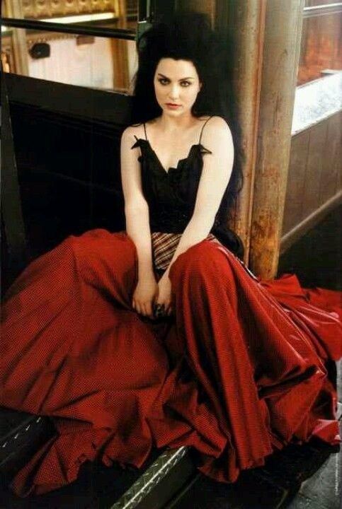 57 best Amy Lee Outfits images on Pinterest Amy lee evanescence 37
