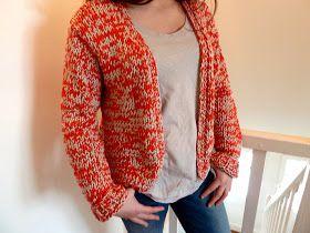 Un cardigan demi-saison facile à porter et hyper confortable grâce à ce jersey de coton de chez Katia ( Bulky Cotton ) tricoté avec 2...
