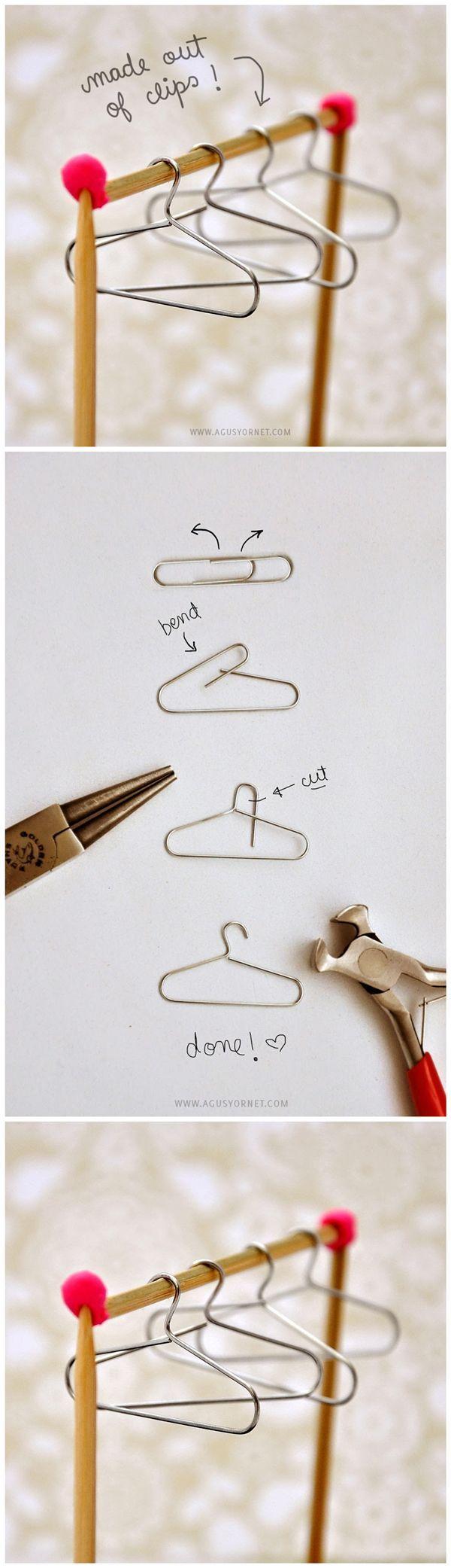 Diy crée des minuscules cintres.