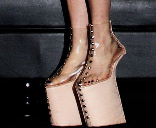 Noritaka, l'uomo che fa le scarpe a #LadyGaga