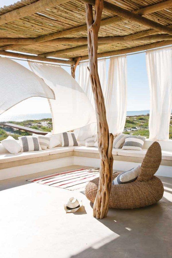 terraza con cortinas de gasa