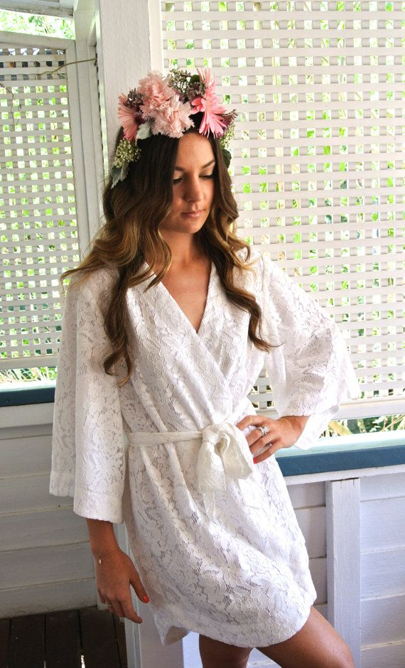 Absolutely besotted with this lace wedding robe by @piyamasleepwear (and that giant floral crown)!